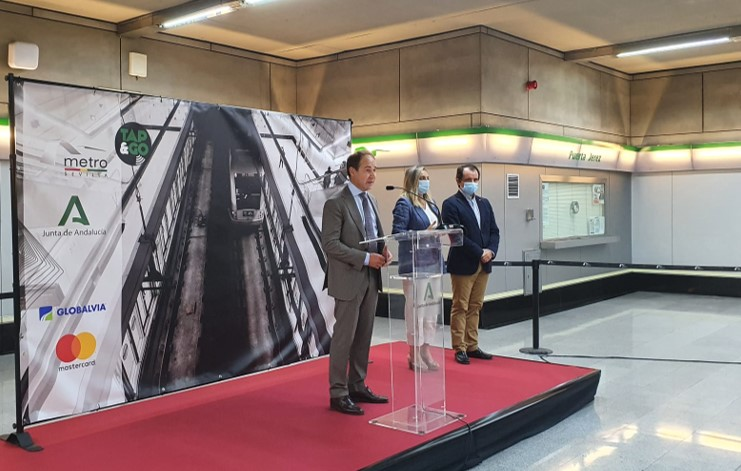 Globalvia promotes the validation and payment with contactless card in Metro de Sevilla, being the first Spanish metro that incorporates this system
